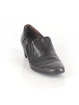 Munro American Heels Size 8