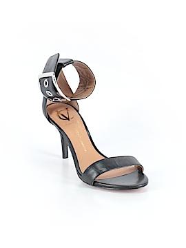 VC Signature Heels Size 6 1/2