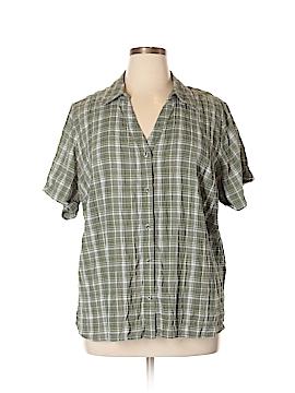 Essentials Short Sleeve Button-Down Shirt Size 1X (Plus)