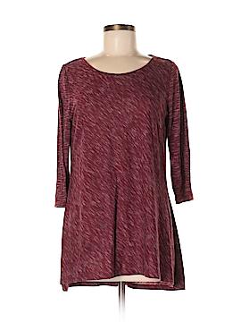 Hannah 3/4 Sleeve T-Shirt Size M