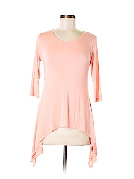 Discreet 3/4 Sleeve Top Size M