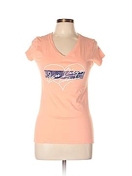 District. Short Sleeve T-Shirt Size L