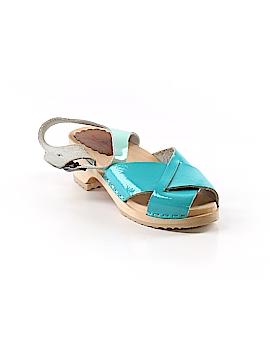 Hanna Andersson Sandals Size 34 (EU)