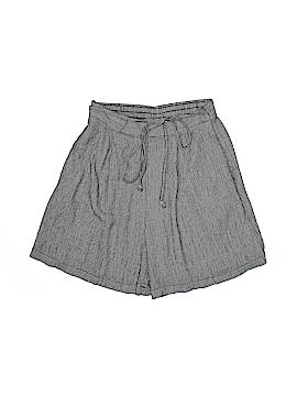 Clio Shorts Size M