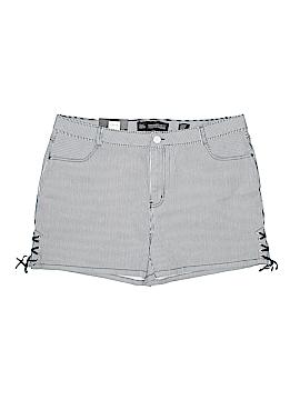 Chic Denim Denim Shorts Size 20 (Plus)