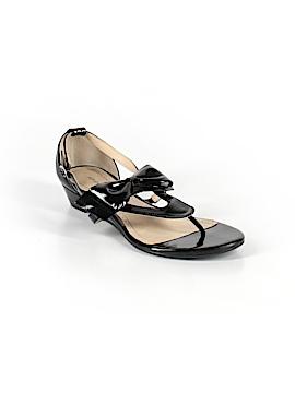 Adrienne Vittadini Sandals Size 8