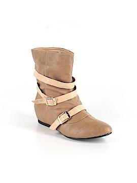 Shoedazzle Boots Size 7 1/2