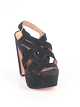 Pour La Victoire Heels Size 8