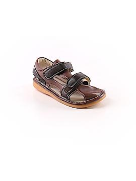 Hide & Squeak Sandals Size 8