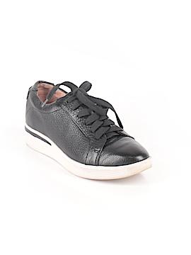 Gentle Souls Sneakers Size 7 1/2