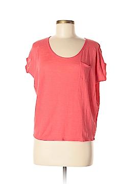 Hi-Line Short Sleeve T-Shirt Size M