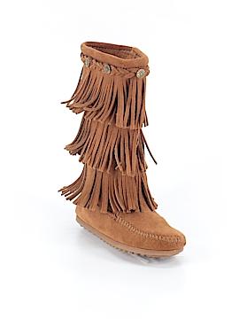 Minnetonka Boots Size 4