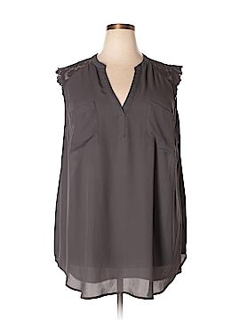 Torrid Short Sleeve Blouse Size 4 (Plus)