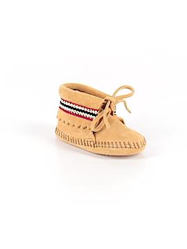 Minnetonka Ankle Boots Size 3