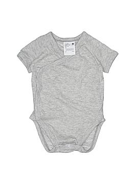 Uniqlo Short Sleeve Onesie Size 3-6 mo