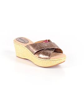 Merona Wedges Size 6