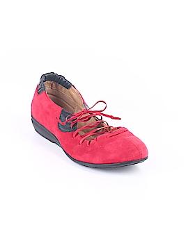 Comfortiva Flats Size 4 1/2