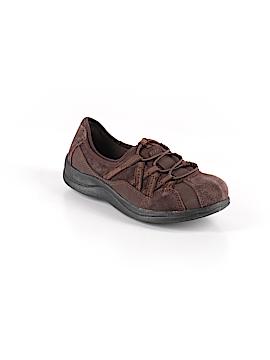 Easy Street Sneakers Size 6 1/2