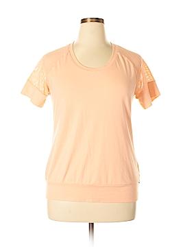 Merrell Short Sleeve T-Shirt Size XL