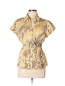 Unique Spectrum Short Sleeve Button-Down Shirt Size M