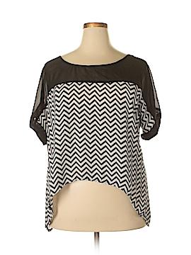 Dots Short Sleeve Blouse Size 2X (Plus)
