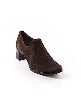 Munro American Heels Size 7