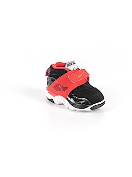 Nike Sneakers Size 4