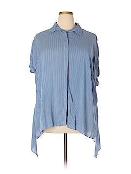 Boutique + Short Sleeve Button-Down Shirt Size 2X (Plus)