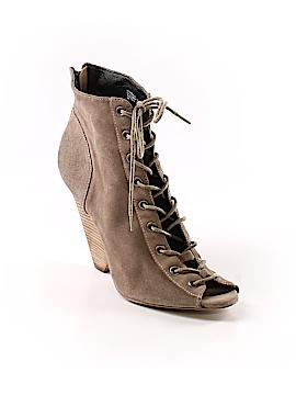 Trouve Ankle Boots Size 9