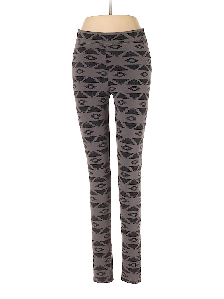 e841a9417d Victoria s Secret Pink Gray Leggings Size M - 69% off