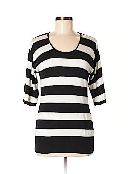 Vertical Design 3/4 Sleeve Top Size M