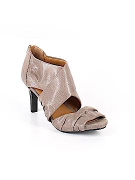 Jaclyn Smith Heels Size 8 1/2