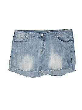 Denim Diva Maternity Denim Shorts Size 22 (Maternity)
