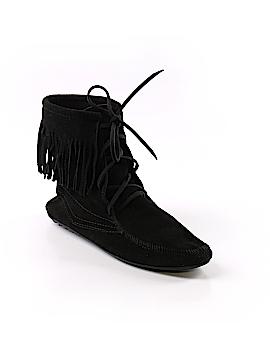 Minnetonka Ankle Boots Size 9