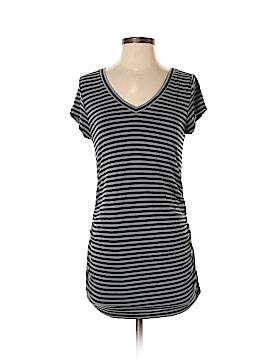 Liz Lange Short Sleeve T-Shirt Size S