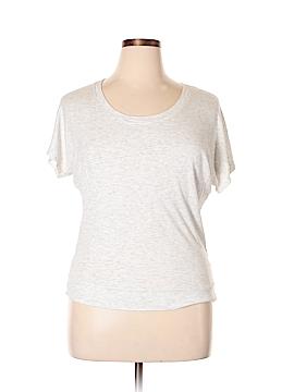 Lucy & Laurel Short Sleeve T-Shirt Size L