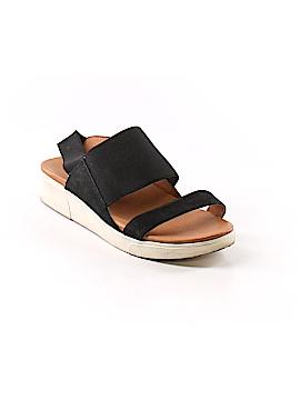 Gentle Souls Sandals Size 8