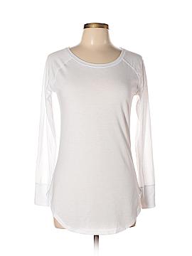 District. Long Sleeve T-Shirt Size XS