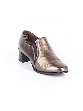 Munro American Heels Size 5