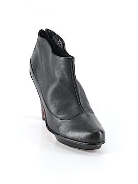 BCBGMAXAZRIA Ankle Boots Size 7 1/2