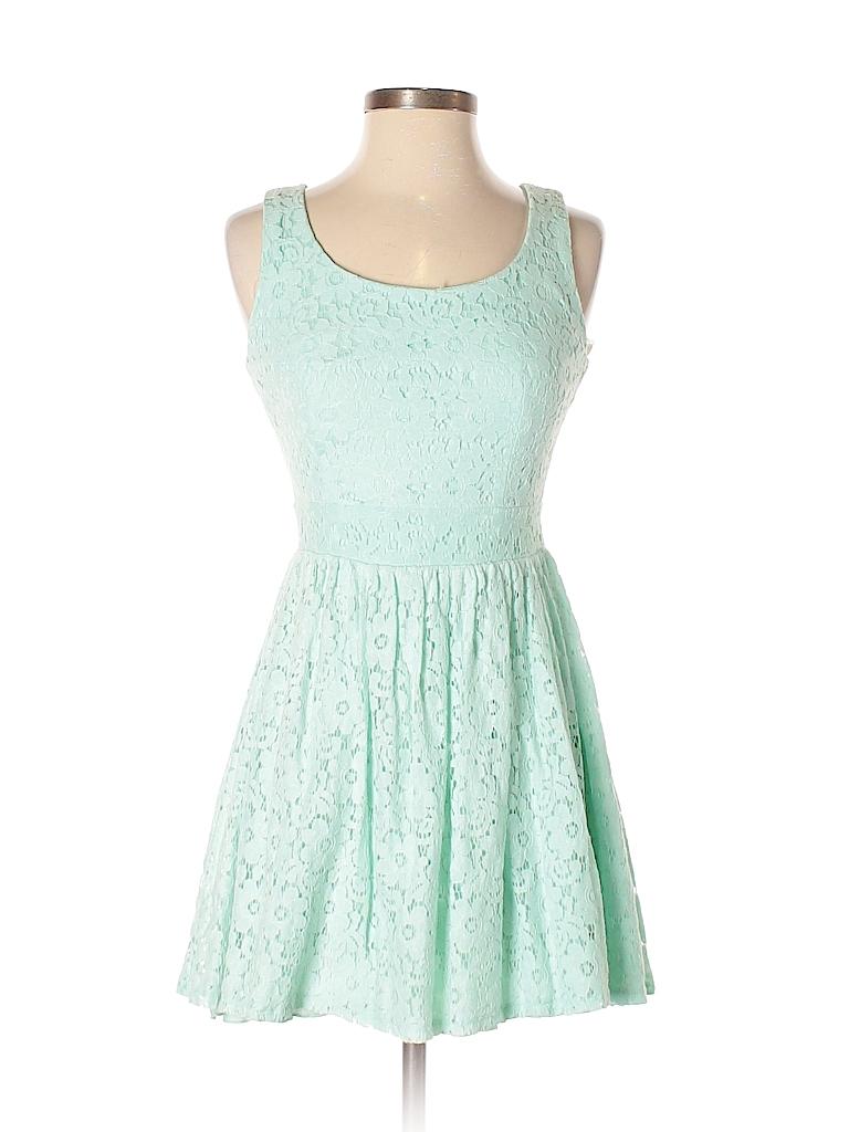 c03fb8ed36ff87 B. Darlin 100% Polyester Lace Light Blue Casual Dress Size 3 - 4 ...