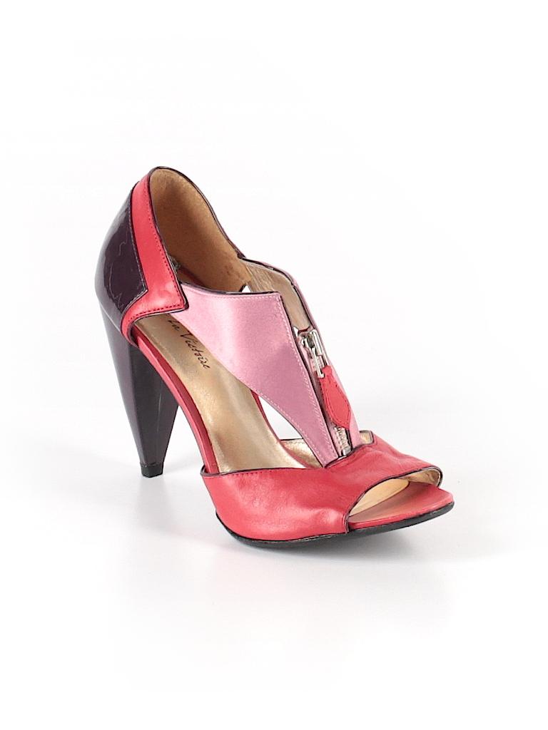70d540886e48d Check it out -- Pour La Victoire Heels for $11.99 on thredUP!