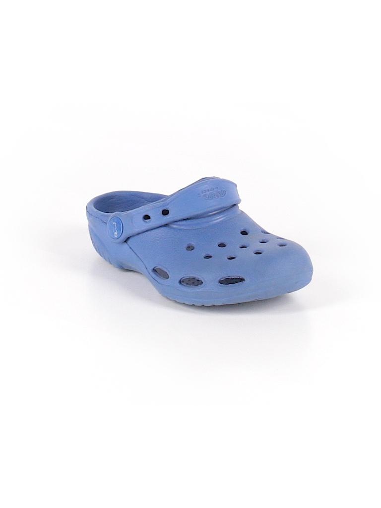 463a335a5f7ddd Crocs Solid Blue Sandals Size 7 - 44% off