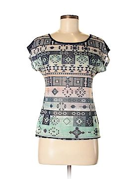 Delia's Short Sleeve Top Size M