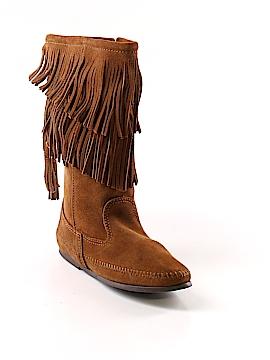 Minnetonka Boots Size 7