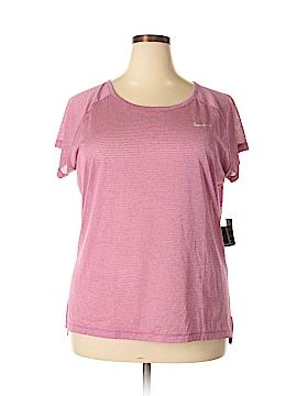 Nike Active T-Shirt Size 1X (Plus)