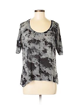 Pleione Short Sleeve T-Shirt Size S
