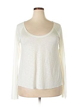 Peace Love World Long Sleeve T-Shirt Size M