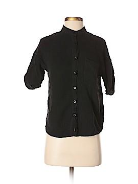 The Hanger Short Sleeve Button-Down Shirt Size S