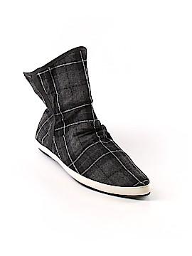 Sanuk Ankle Boots Size 7